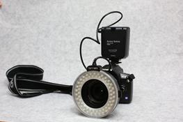 写真4 LED式のリングストロボ